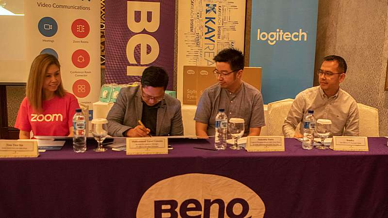 Unified Communication Signing Ceremony Logitech, BenQ, Zoom, Kayreach System
